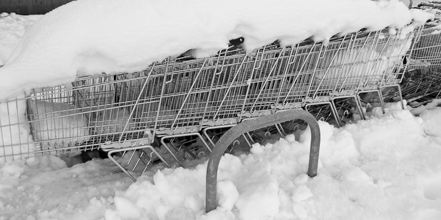 Snow trolleys